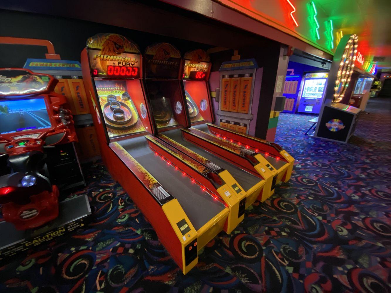 INDOOR ROLLER SKATE PARK - AMUSEMENTS - ARCADE GAMES - AUDIO/VIDEO - REST. EQUIP. - LASER TAG