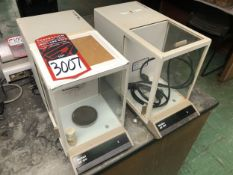 Lot Comprising of (2) METTLER AE 100 Analytical Balance Scale (Location: Metallurgical Lab)
