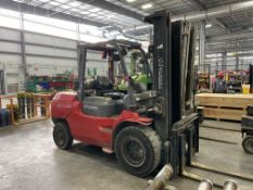 "Toyota 7FGU45 Lift Truck, 171"" Lift, LP, Hard Yard Type Tires, Fork Positioning"