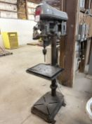 """Walker Turner 20"""" Drill Press, s/n D-110-3, 13-3/4"""" x 17-3/4"""" Table, 260-5200 RPM Spindle Speed"""