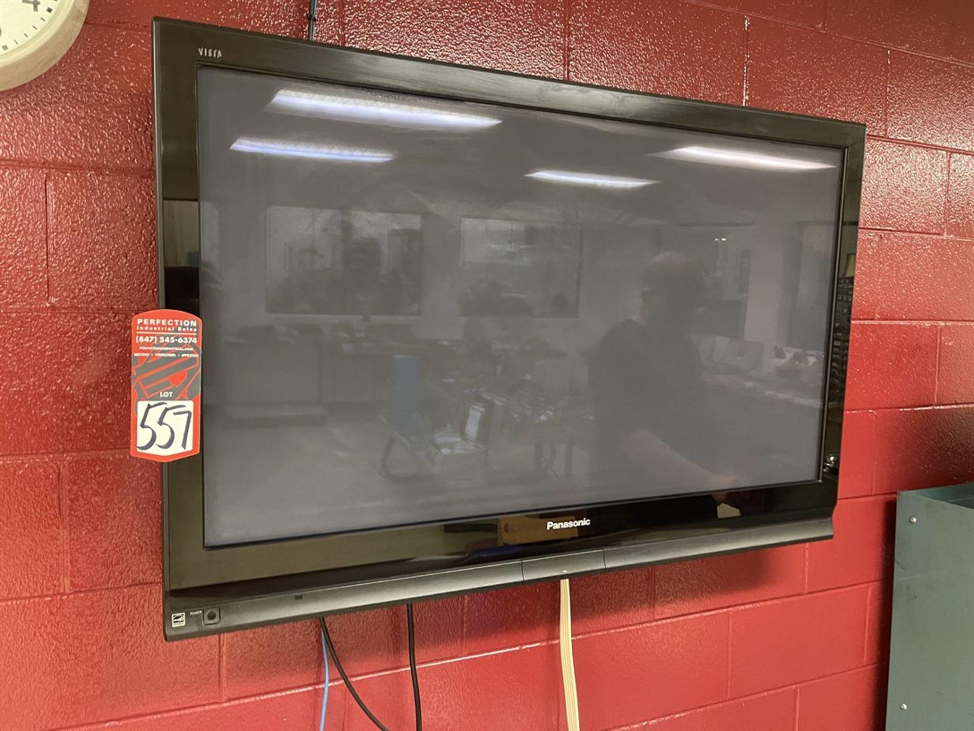 PANASONIC TH-50PX75U Flatscreen TV w/ Wall Mount