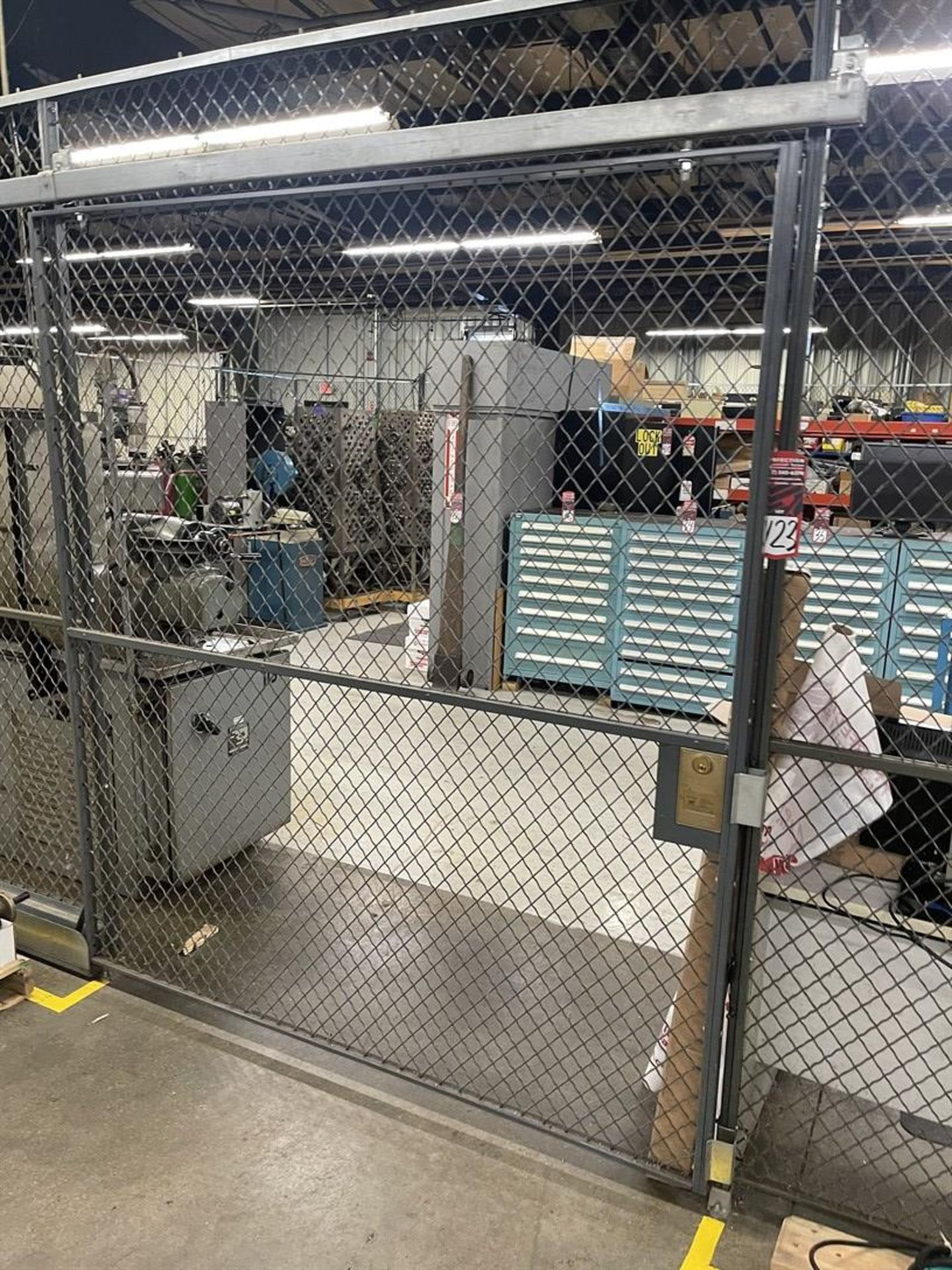 FOLDING GUARD WOV-N-WIRE Crib Fencing, Approx. 125' Total Length Sliding Door and Hinge Door - Image 2 of 4