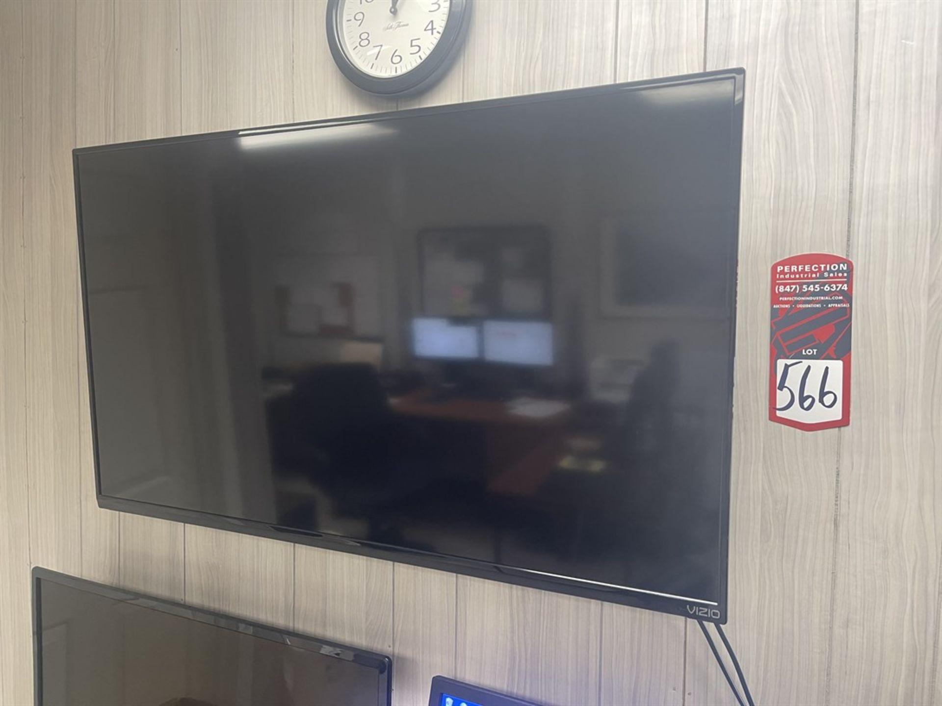 VIZIO E40I-B2 Flatscreen TV w/ Wall mount