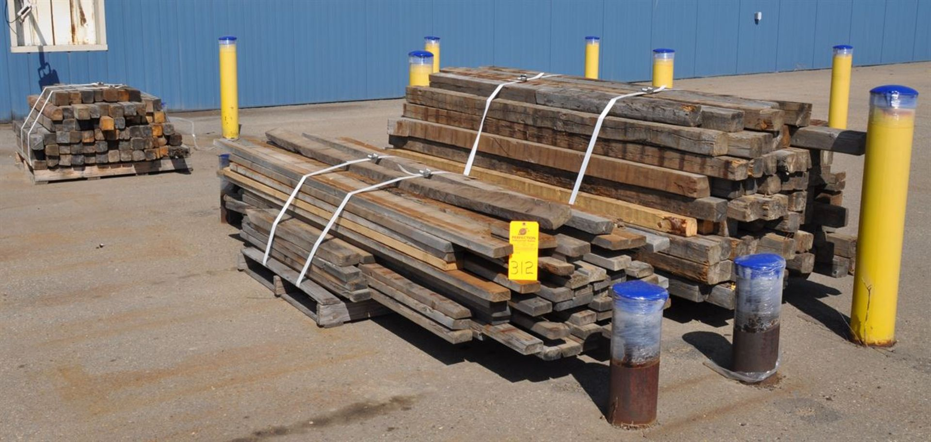 Lumber, assorted sizes and lengths