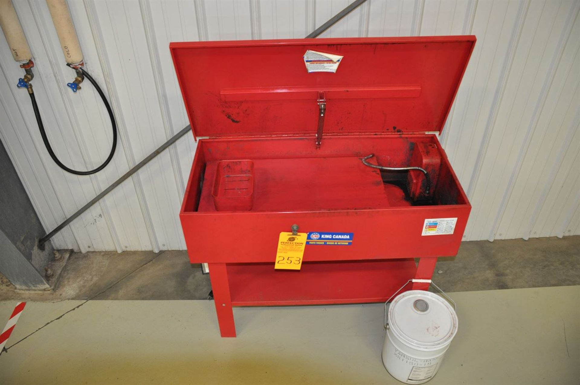 King Canada Parts Washer w/ pail Varsol