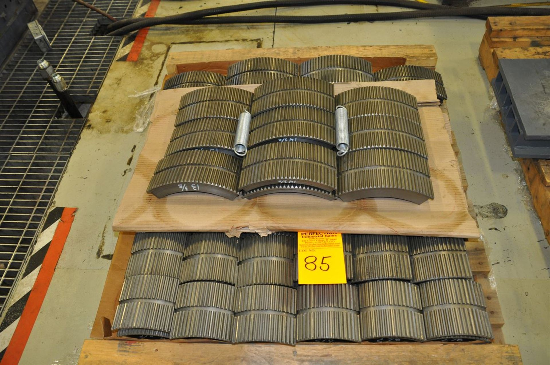 "2012 McCOY CLEBU 1500 15"" Type III Bucking Unit, s/n 8988, w/ PLC Control, Size Range: 15"" – 2. - Image 5 of 6"