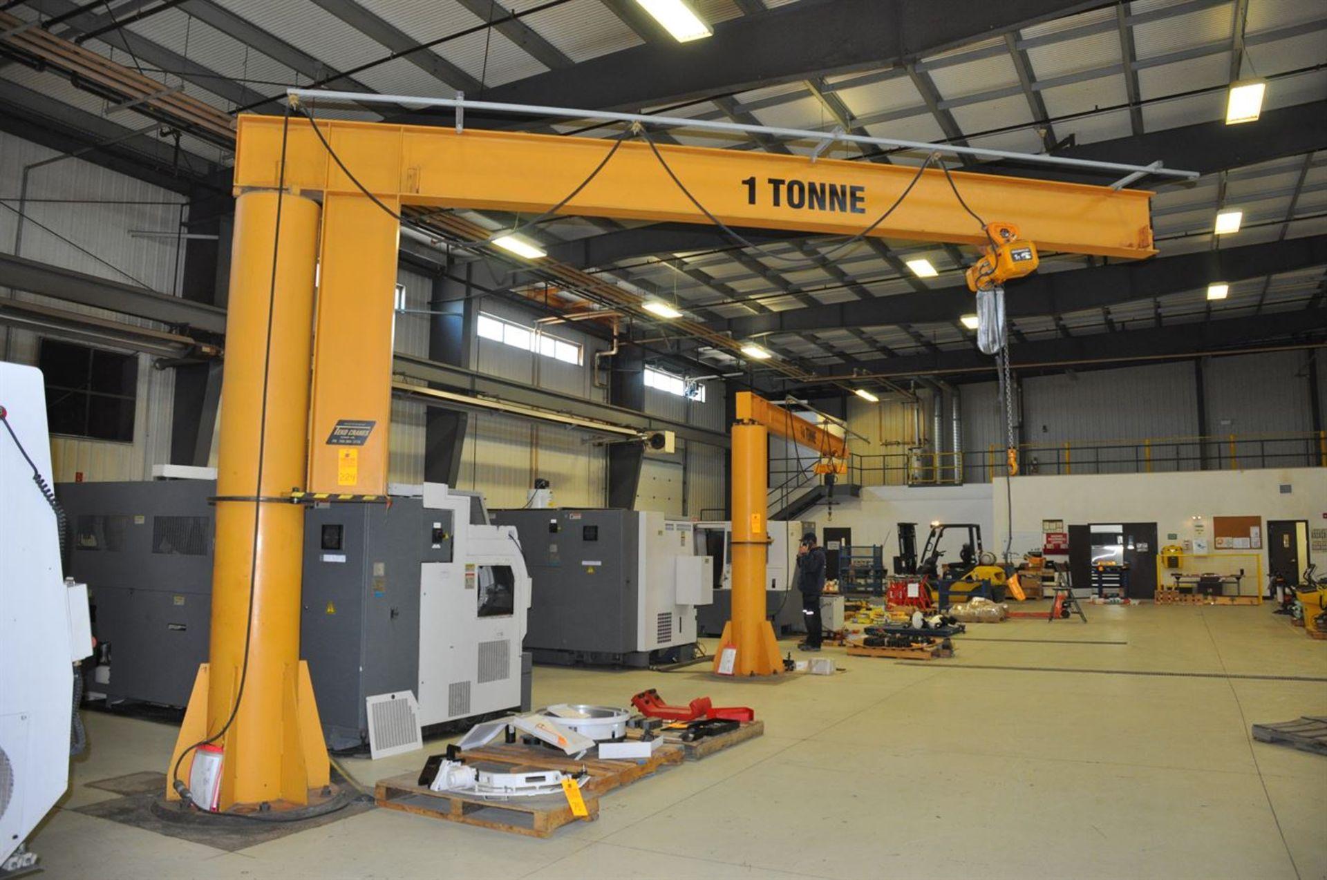 TEKO 1 Tonne Free Standing Jib Crane w/ KITO 1 Tonne Electric Chain Hoist