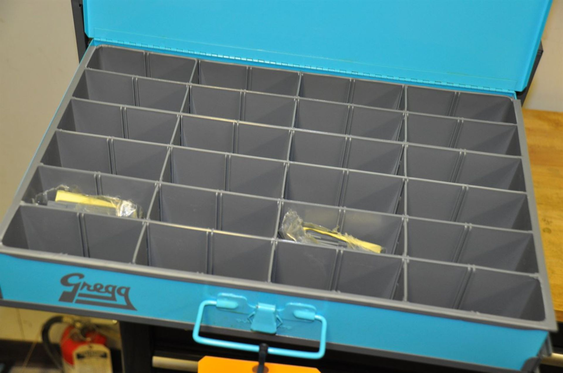 Durham Compartment Rack w/ 4 removable compartments - Image 2 of 2
