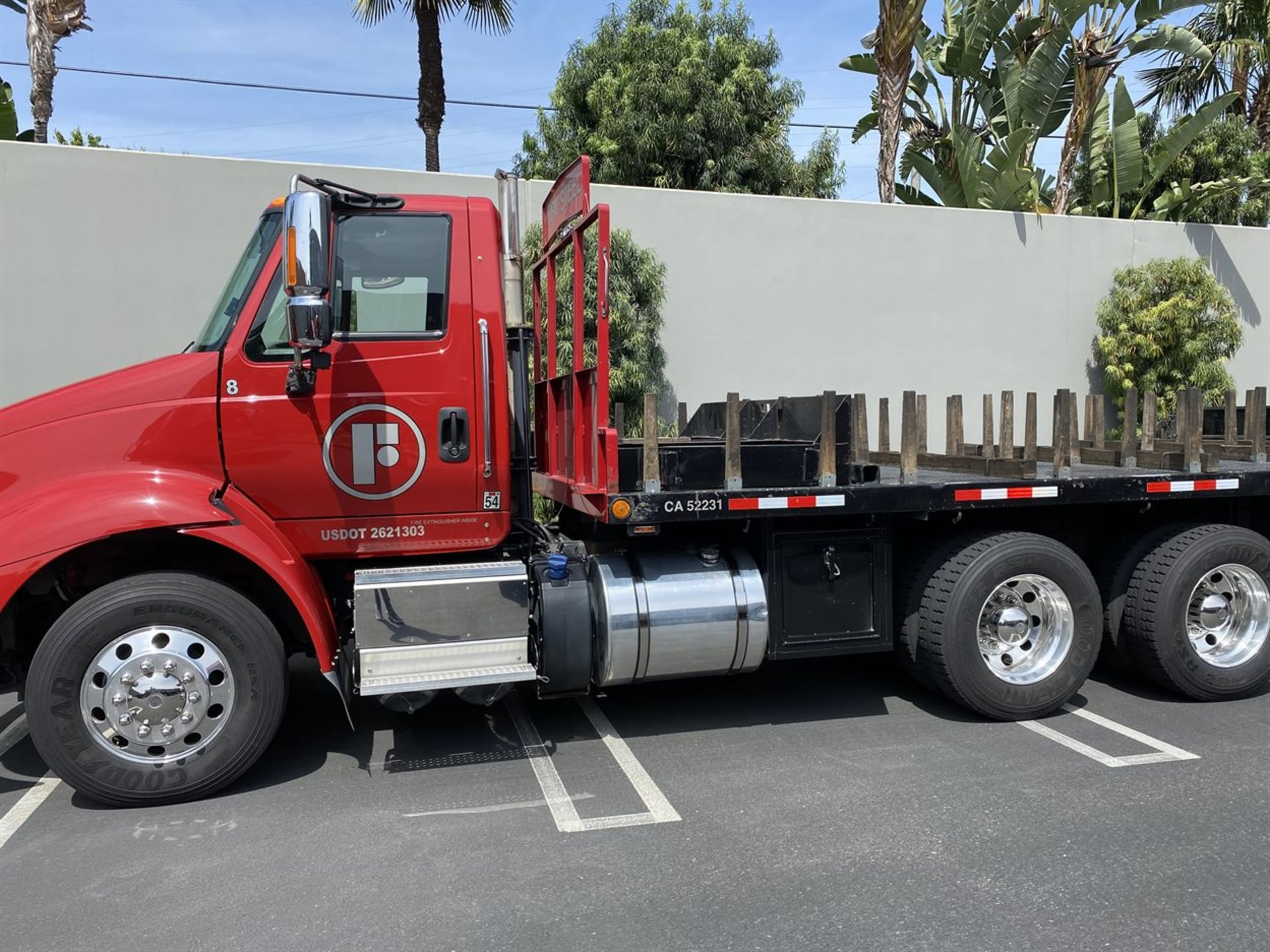 2016 INTERNATIONAL 18' Stake Bed Truck, VIN 3HTHXSNR1GN003236, 125,809 Miles at time of inspection - Image 3 of 20