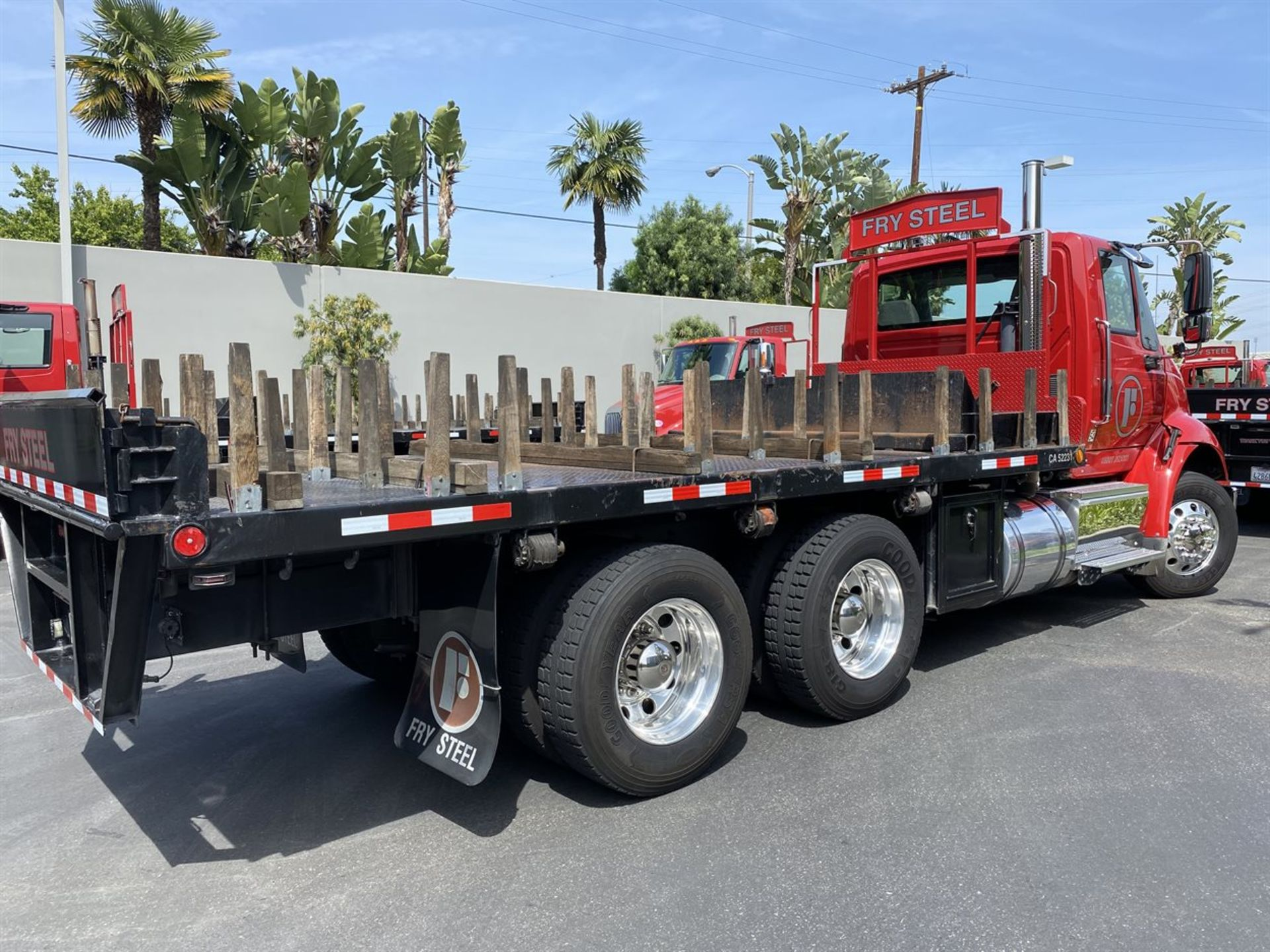 2016 INTERNATIONAL 18' Stake Bed Truck, VIN 3HTHXSNR2GN003228, 122,350 Miles at time of inspection - Image 6 of 21