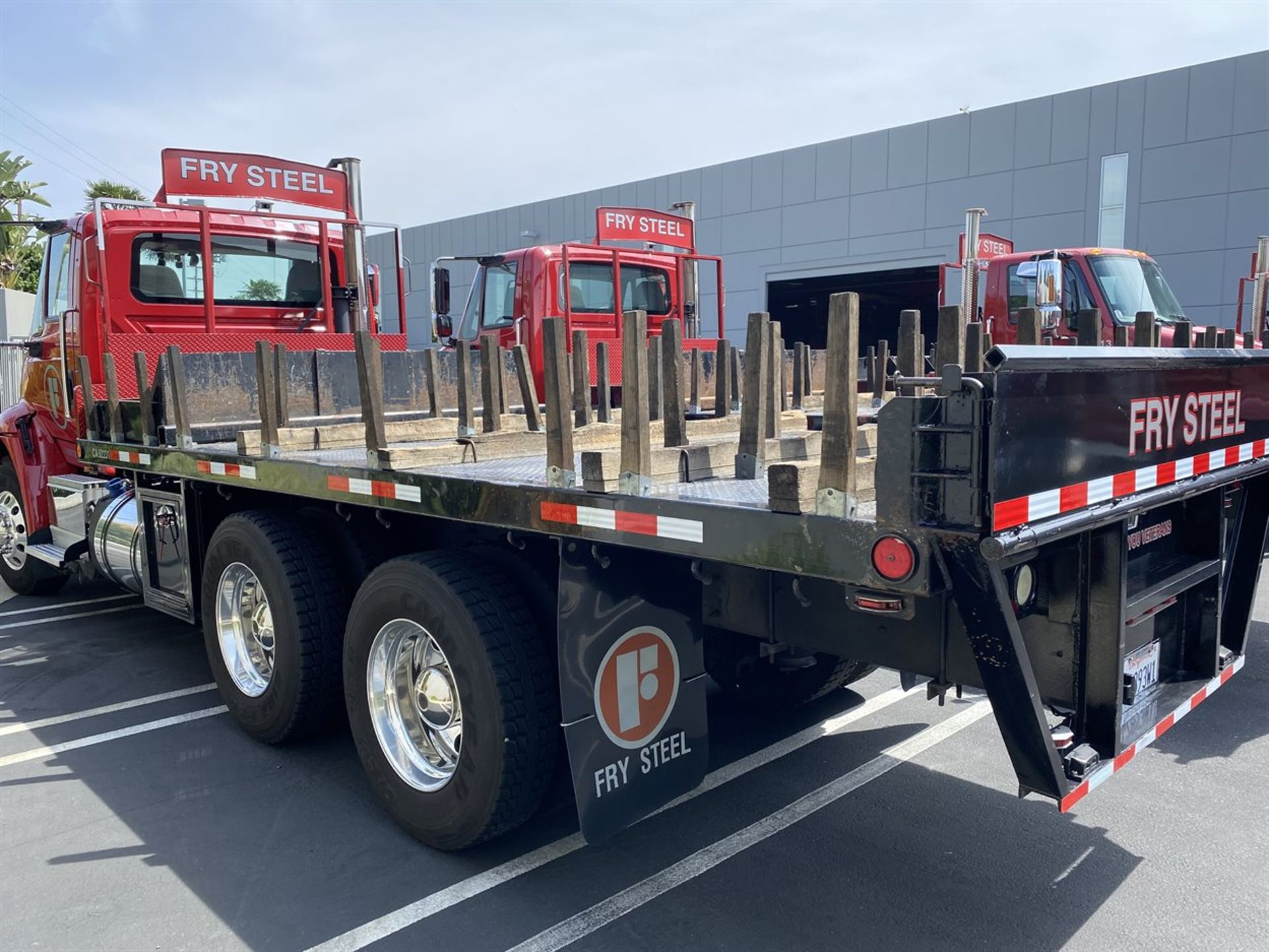 2016 INTERNATIONAL 18' Stake Bed Truck, VIN 3HTHXSNR6GN132508, 107,216 Miles at time of inspection - Image 2 of 18
