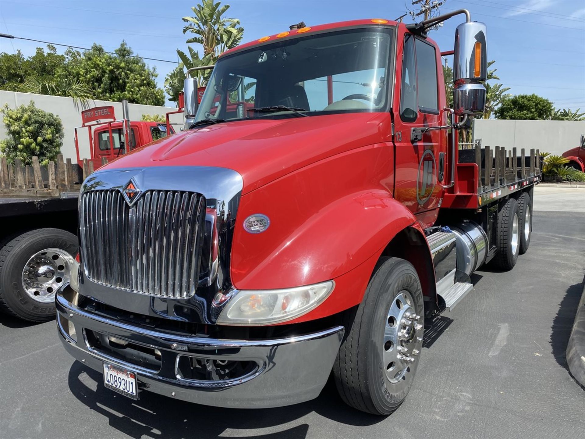 2016 INTERNATIONAL 18' Stake Bed Truck, VIN 3HTHXSNR9GN132471, 131,736 Miles at time of inspection - Image 2 of 17