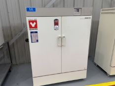 "Yamato DKN912C Constant Temperature Oven, 410 Deg F Max Temp, 18""x 39"" x 18"" Deep, s/n BA800071 s/"
