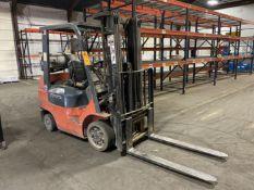 """Toyota Model 7FGCU25 LP Forklift, 4500 Lb Capacity, 189"""" Lift, 48"""" Forks, 3 Stage, Side Shift,"""