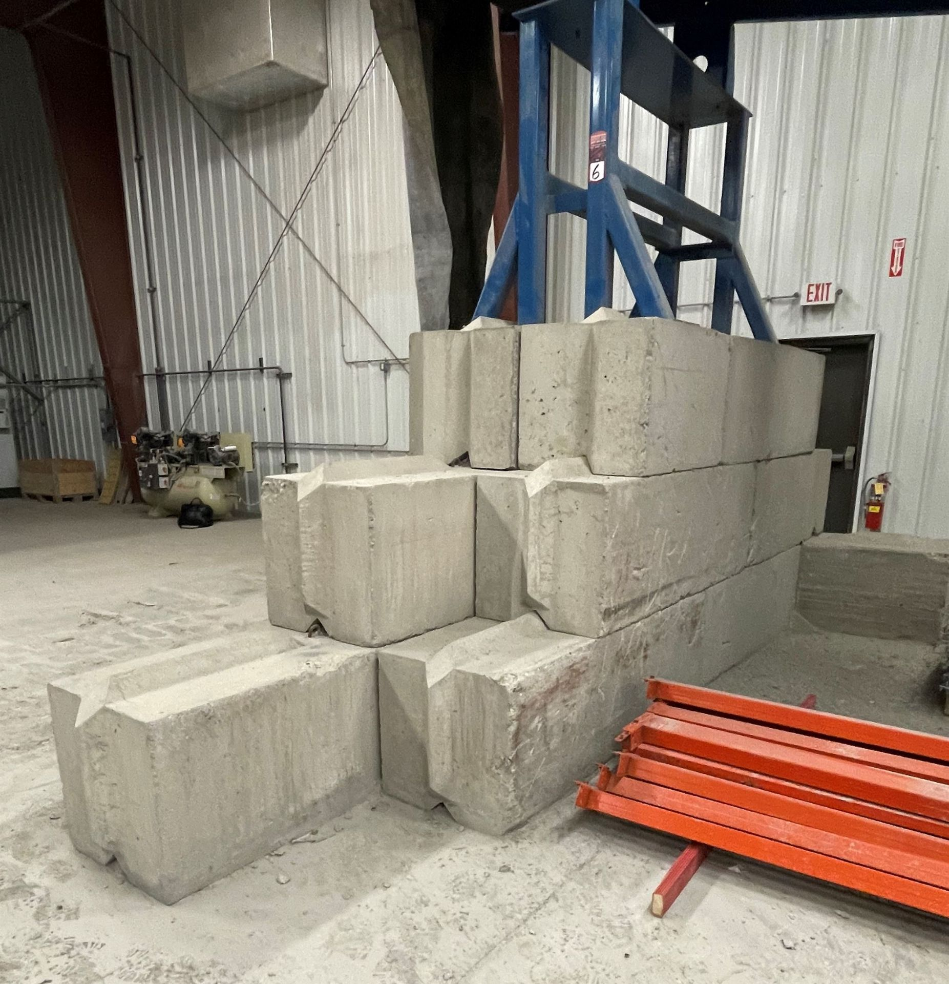 Approx. (20) JERSEY Cement Retaining Blocks - Image 3 of 4