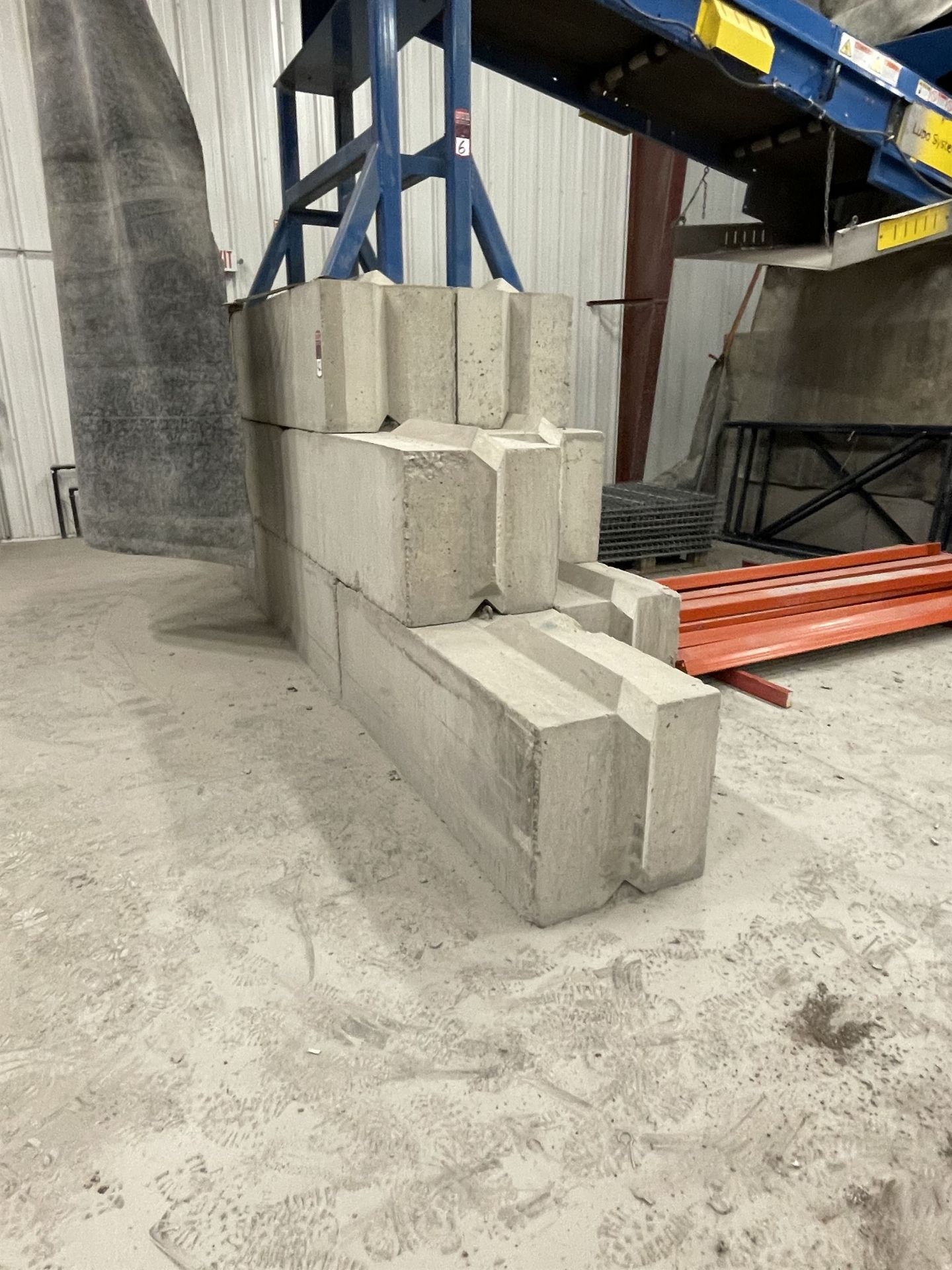 Approx. (20) JERSEY Cement Retaining Blocks - Image 2 of 4