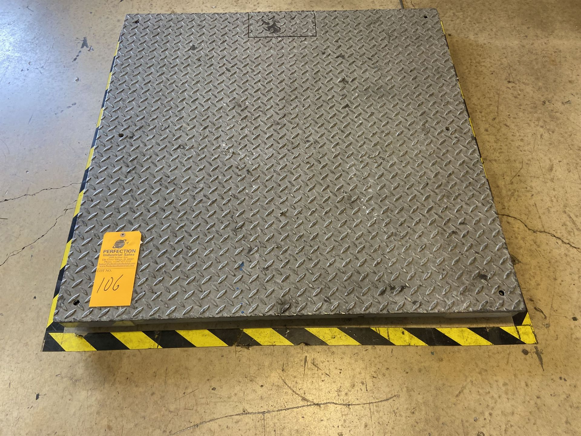 4x4 Scale with Bench Reader and Shipping Area