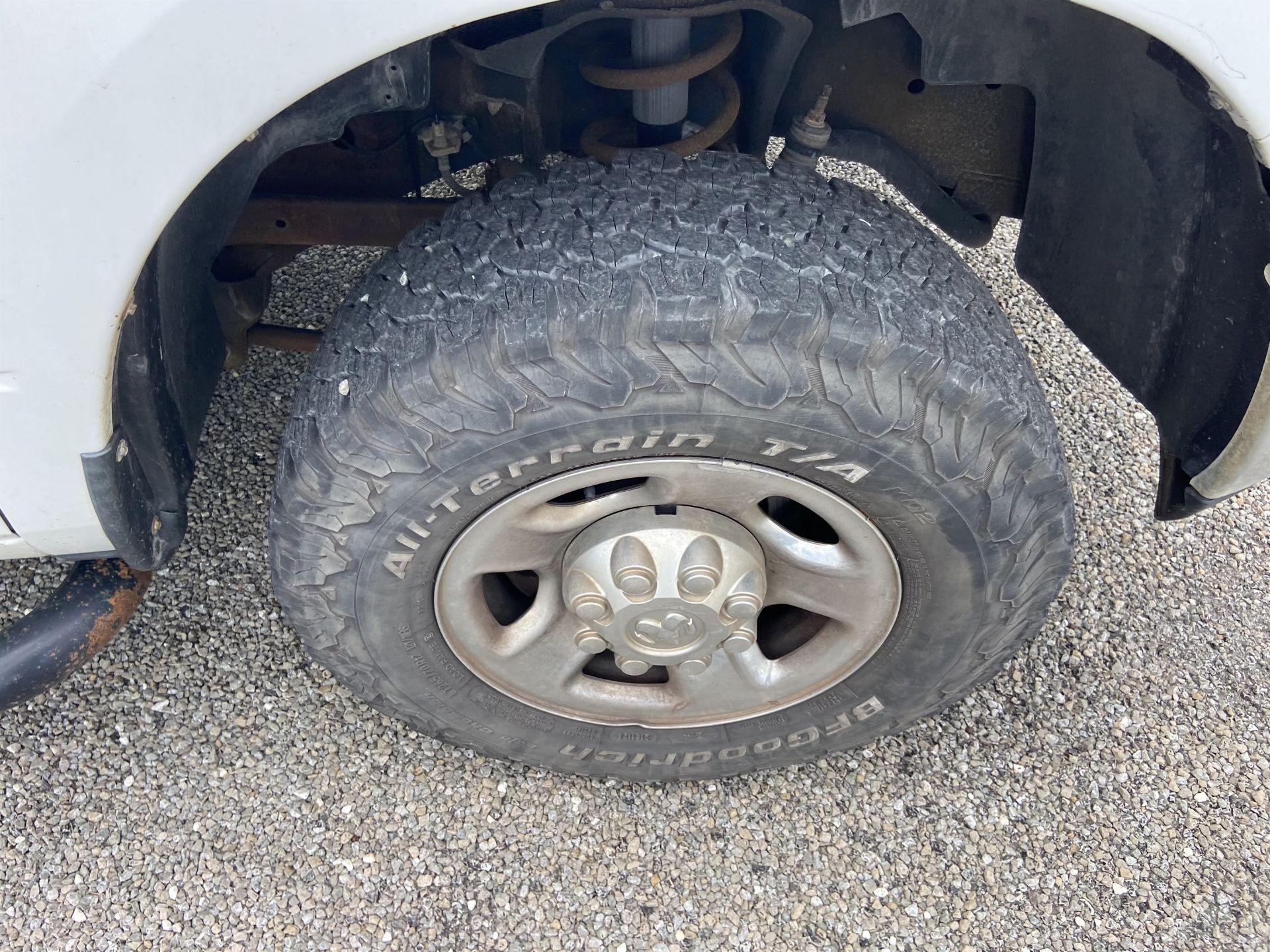 2011 Dodge Ram 2500 HD Crew Cab Long Bed, 212k Miles, Vinyl, 4x4, Gas, VIN # 3D7TT2CT9BG626009 - Image 7 of 16