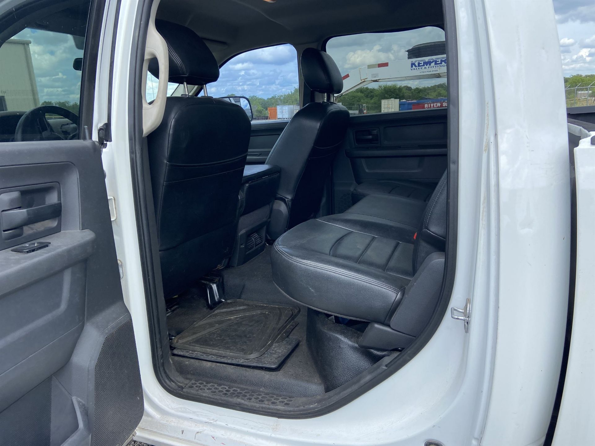 2011 Dodge Ram 2500 HD Crew Cab Long Bed, 212k Miles, Vinyl, 4x4, Gas, VIN # 3D7TT2CT9BG626009 - Image 11 of 16