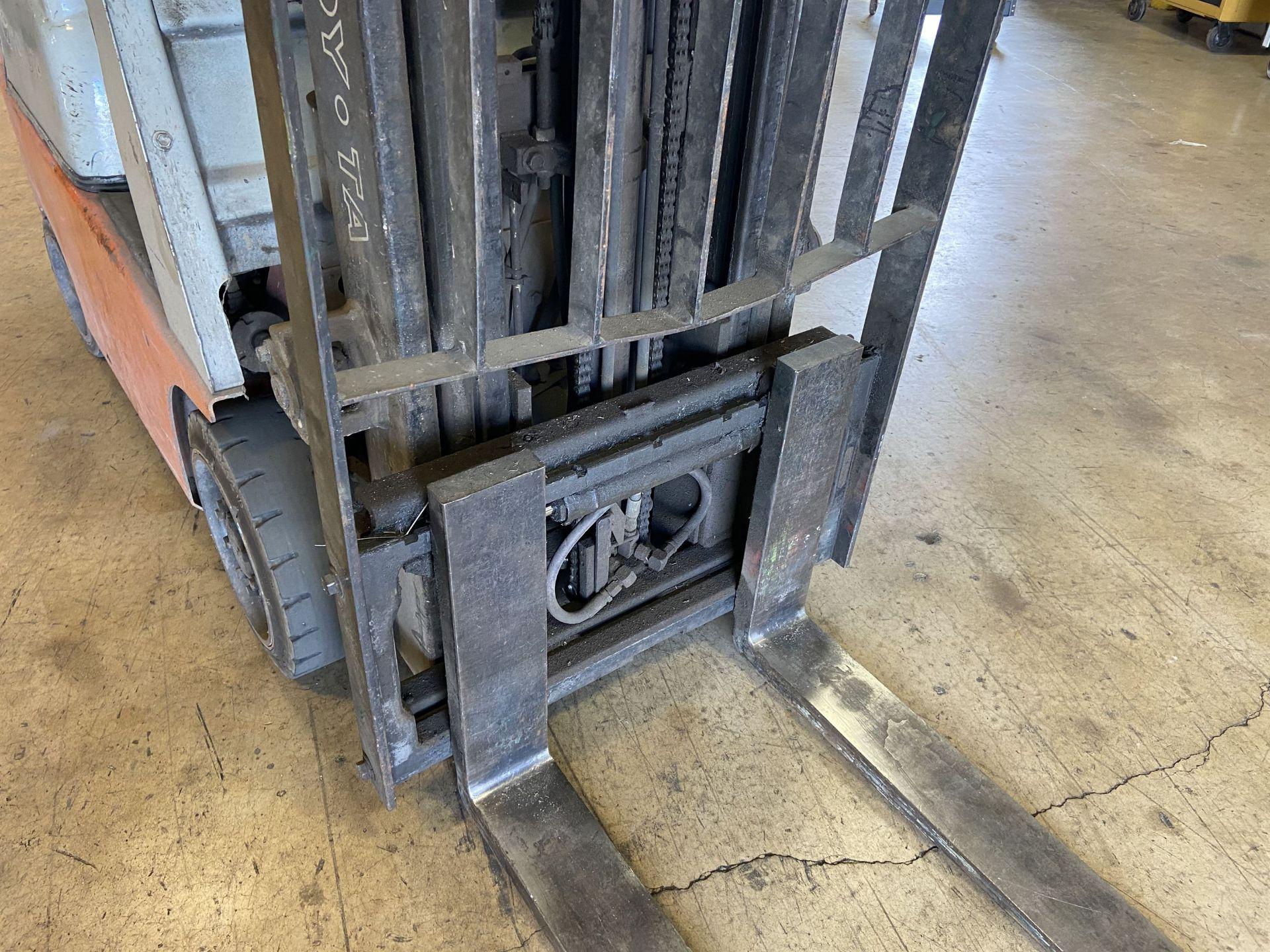 """Toyota Model 7FGCSU20 3700 Lb LP Forklift, 170"""" Lift, 3 Stage, 42"""" Forks, Side Shift, solid Tires, - Image 6 of 7"""