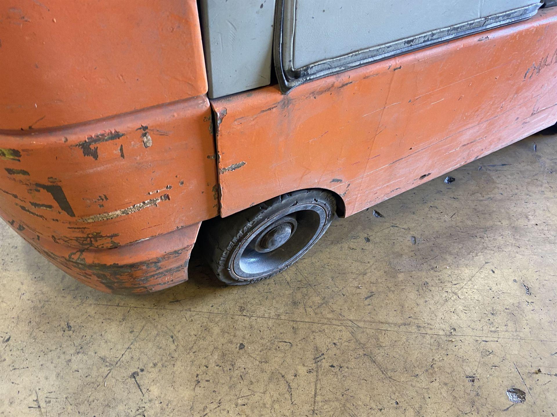 """Toyota Model 7FGCSU20 3700 Lb LP Forklift, 170"""" Lift, 3 Stage, 42"""" Forks, Side Shift, solid Tires, - Image 4 of 7"""