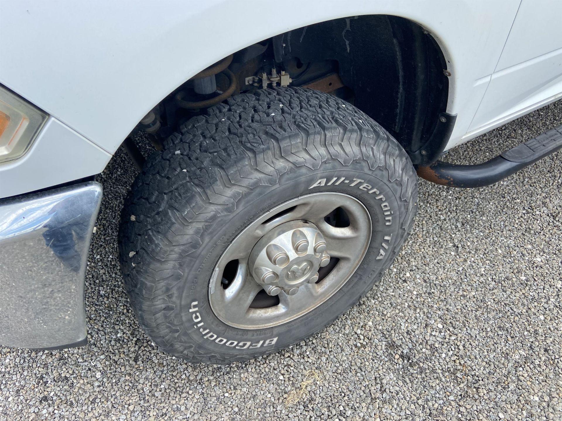 2011 Dodge Ram 2500 HD Crew Cab Long Bed, 212k Miles, Vinyl, 4x4, Gas, VIN # 3D7TT2CT9BG626009 - Image 8 of 16