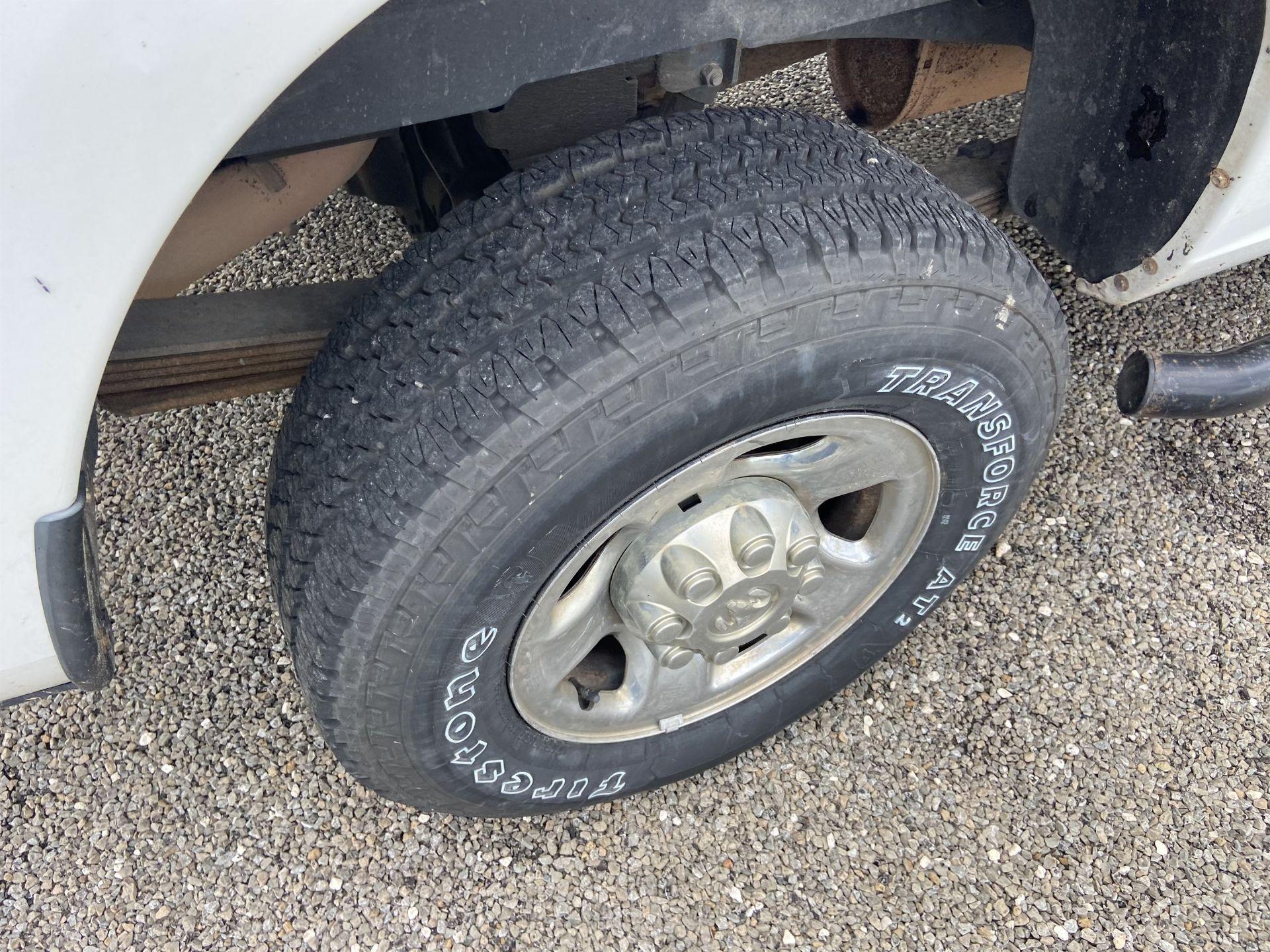 2011 Dodge Ram 2500 HD Crew Cab Long Bed, 212k Miles, Vinyl, 4x4, Gas, VIN # 3D7TT2CT9BG626009 - Image 6 of 16