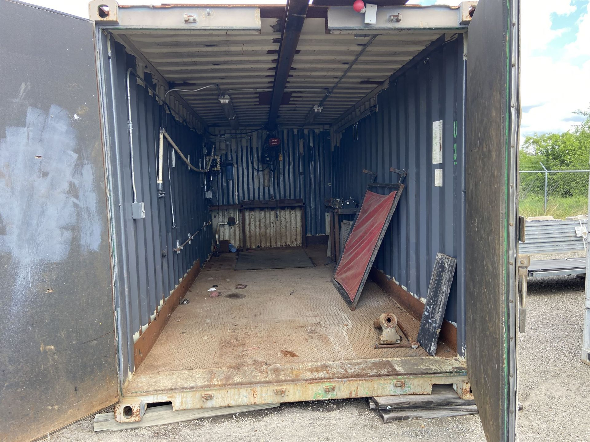 20' Container Test /Assy Station with 1/2 Ton crane and Hoist - Image 2 of 4