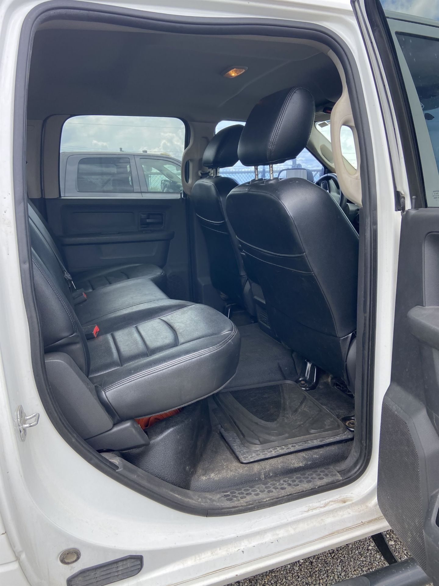 2011 Dodge Ram 2500 HD Crew Cab Long Bed, 212k Miles, Vinyl, 4x4, Gas, VIN # 3D7TT2CT9BG626009 - Image 13 of 16