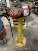 Ridgid 450 Pipe Vise on Pedestal