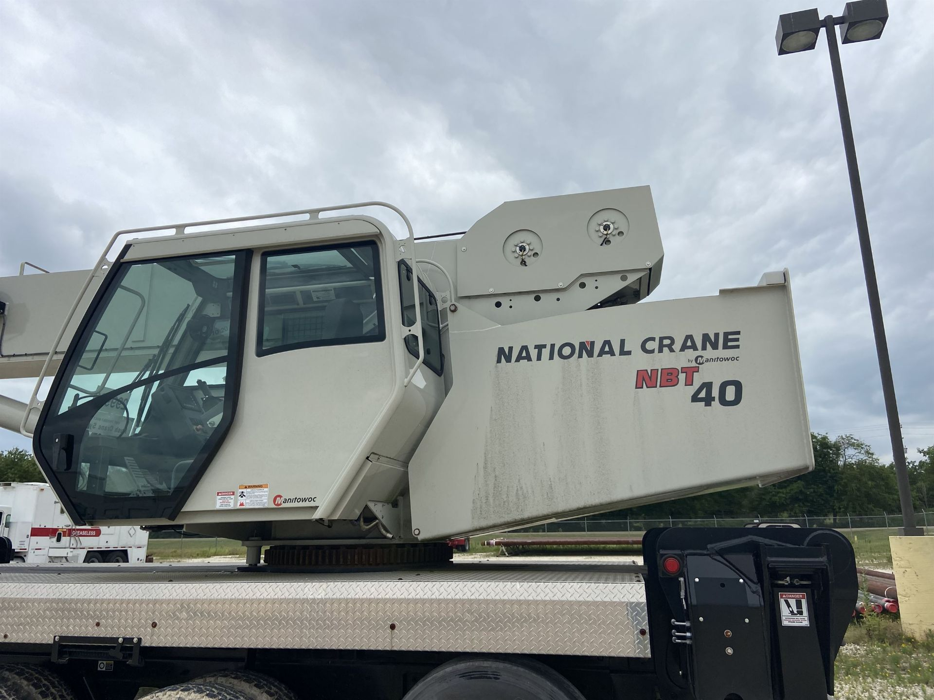 2014 NATIONAL NBT 40 Mobile Swing Truck Crane, s/n 299983, 2,174 Miles, 75.9 Hours - Image 35 of 35