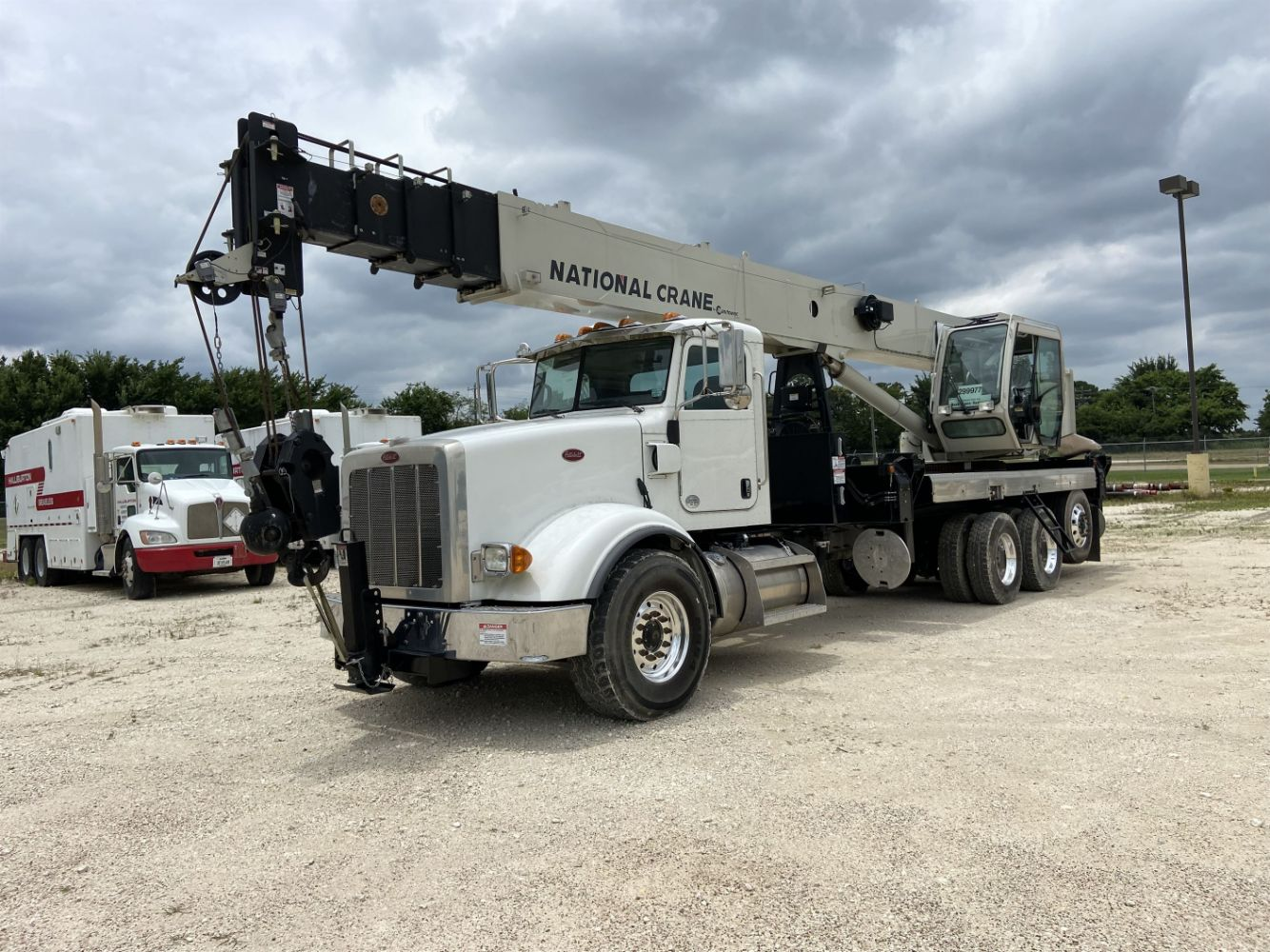 Excellent Condition - Never Placed in Field Service Peterbilt and Kenworth Fleet Trucks / Truck Cranes