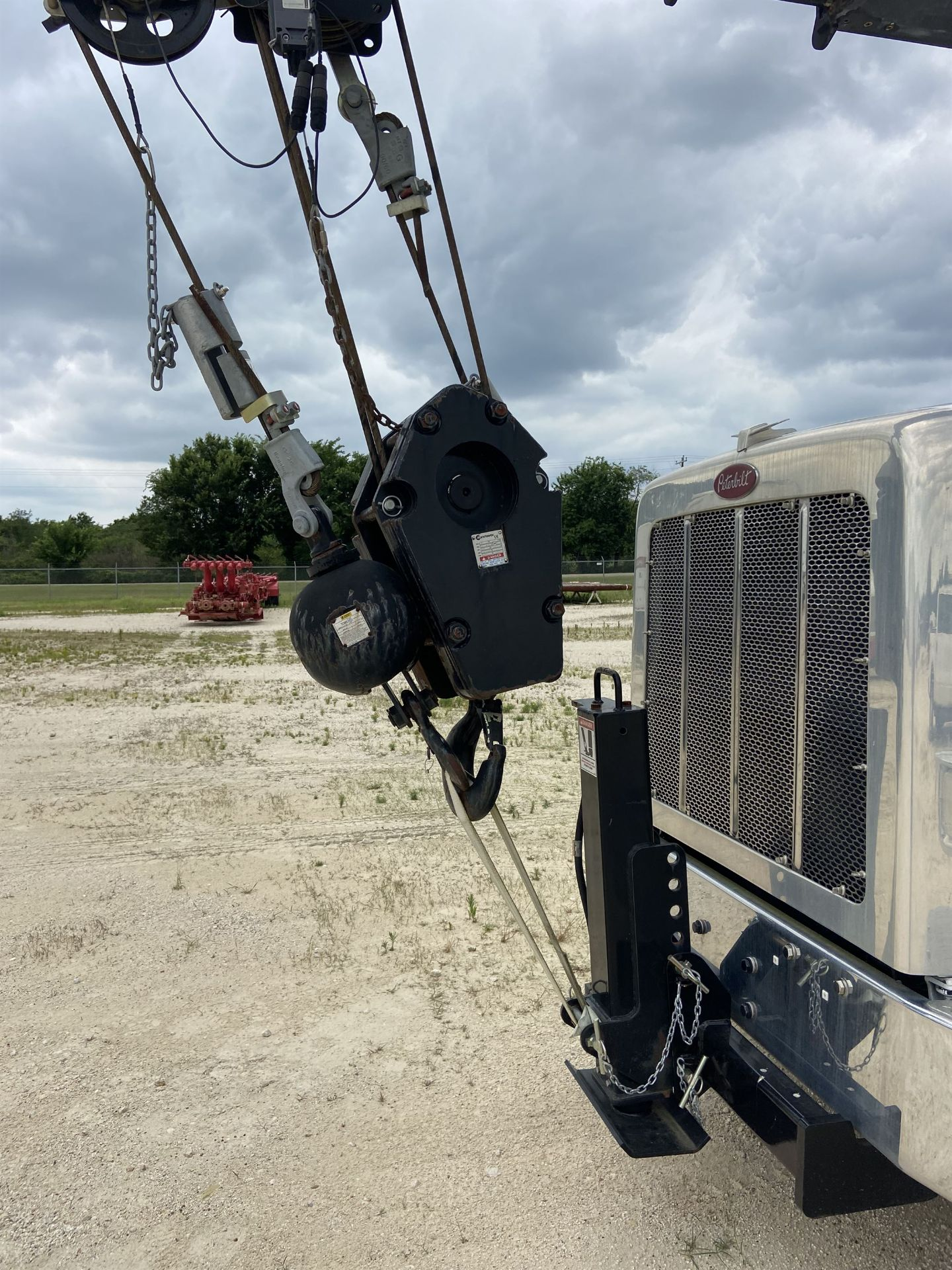 2014 NATIONAL NBT 40 Mobile Swing Truck Crane, s/n 299983, 2,174 Miles, 75.9 Hours - Image 18 of 35