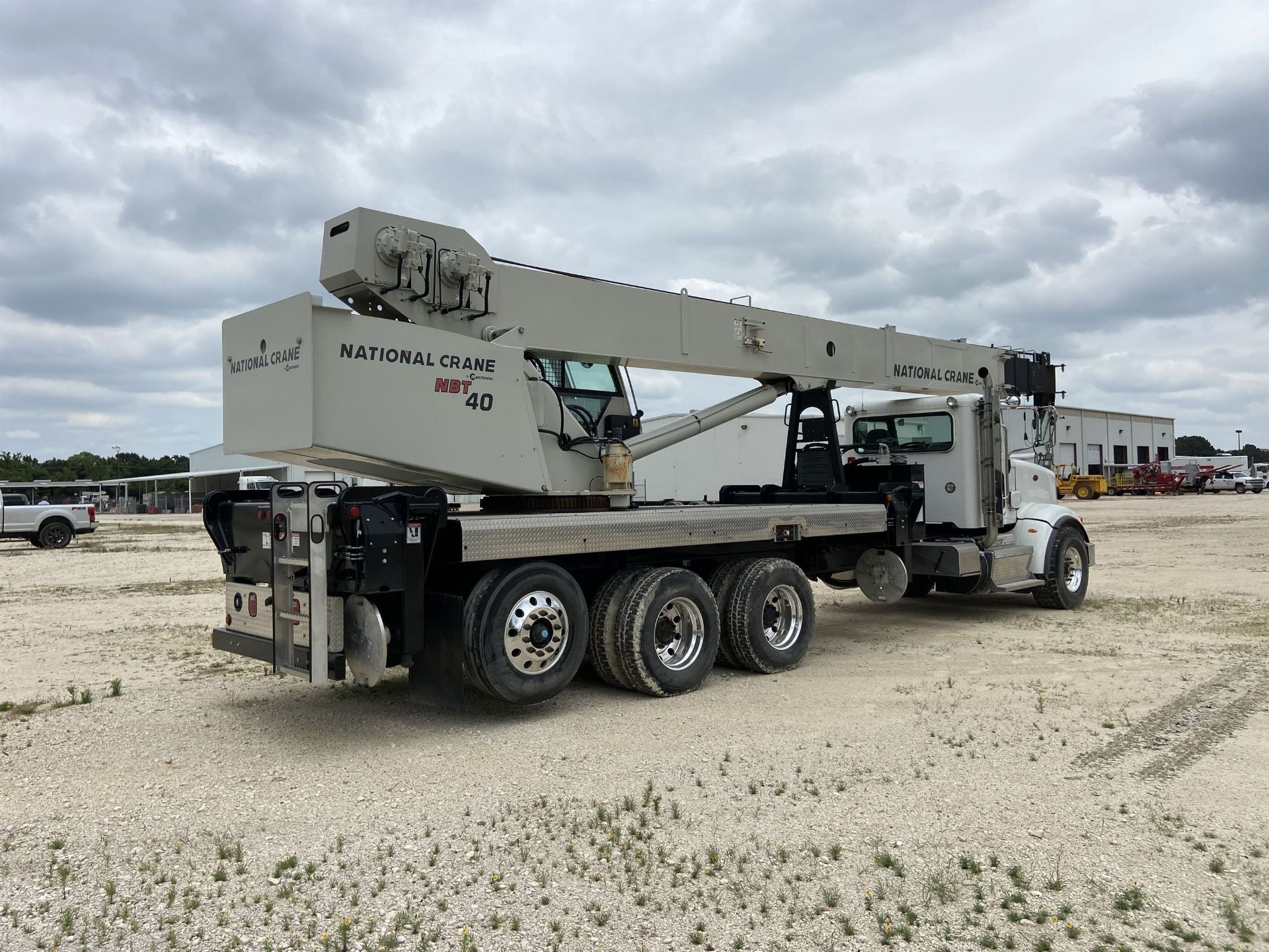2014 NATIONAL NBT 40 Mobile Swing Truck Crane, s/n 299983, 2,174 Miles, 75.9 Hours - Image 3 of 35