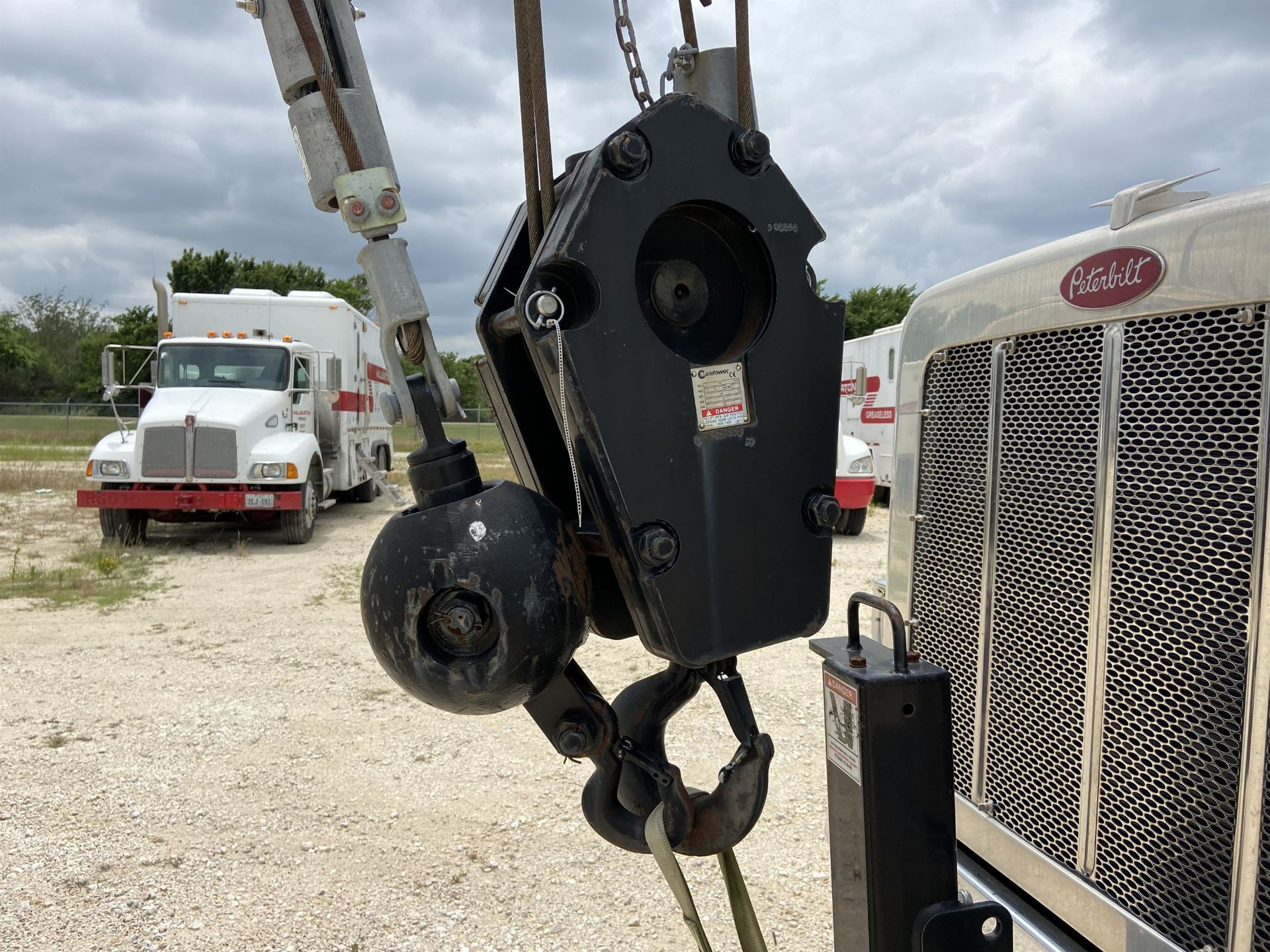 2014 NATIONAL NBT 40 Mobile Swing Truck Crane, s/n 299977, 3,266 Miles, 81.5 Hours - Image 6 of 35