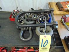 LOT CONSISTING OF: assorted shackles & eyebolts