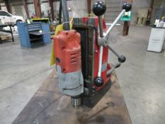 MAGNETIC BASE DRILL, MILWAUKEE, S/N 598C60A130005