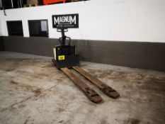 """CROWN, PE3520-60, 6000 LBS., BATTERY POWERED PALLET TRUCK, SOLID CUSHION TIRES, 28"""" W X 96"""" L FORKS,"""