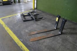LOT: (2) 48 in. Forks, (1) Twin Barrel Lift, LOCATION: MAIN PRESS FLOOR