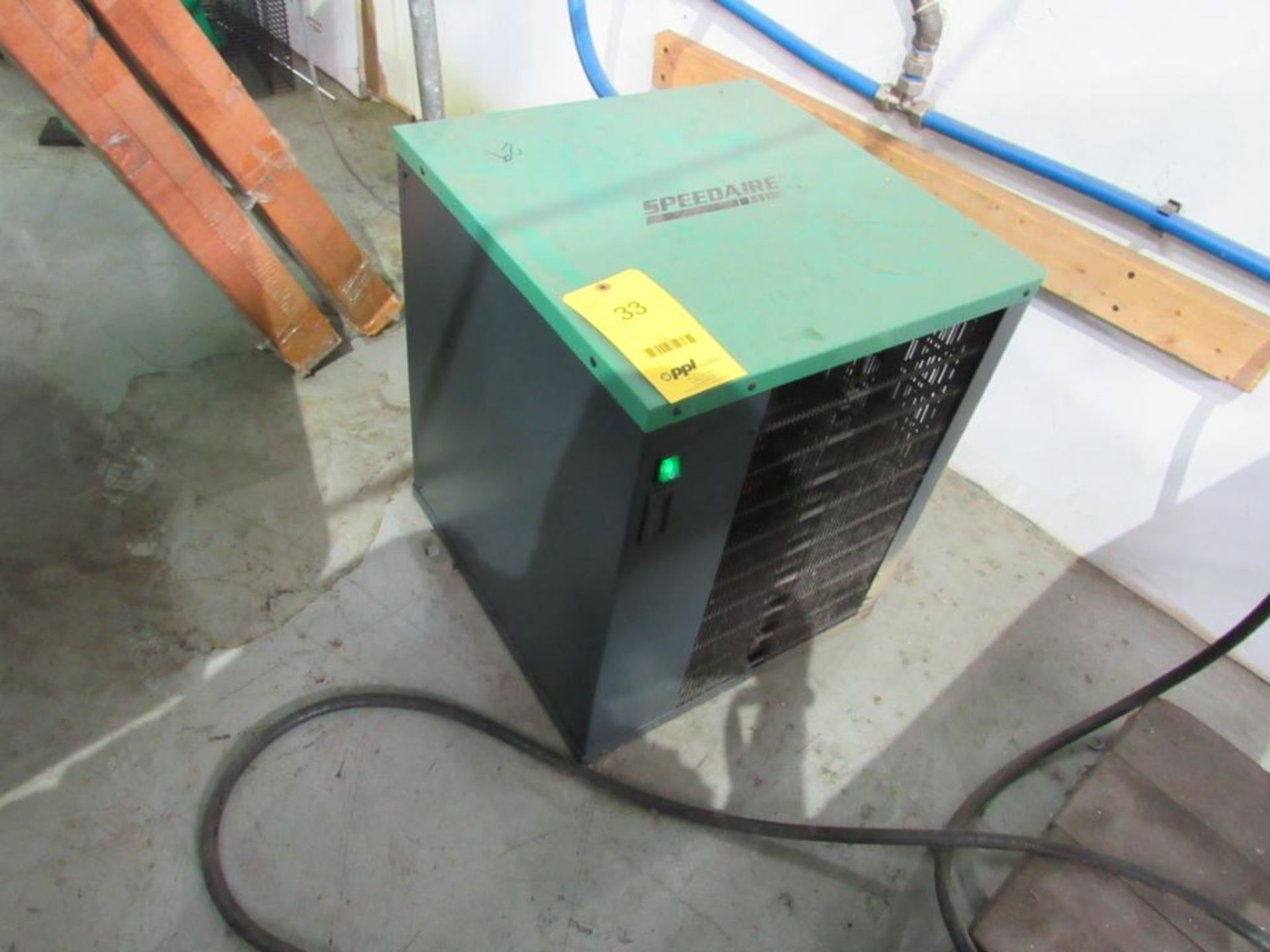 Speedaire Dryer, Model 3YA53A, S/N 18B1153YA53A0821