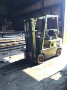 Clark LP Forklift Model 25-00-45, 4250 Capacity, Triple Mast 171 in. Reach, S/N 253-2381