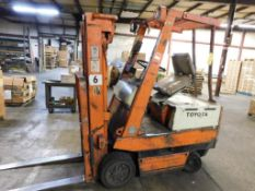 Toyota 2640 lb. Electric Forklift Model 2FBCA15, S/N 13236 (1989), Solid Tires, Overhead Guard,
