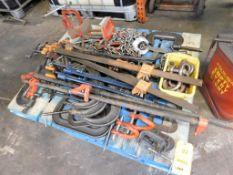 LOT: Large C-Clamps, Kant-Twist Clamps, Bar & Pipe Clamps, Chain, Ridgid Vise (LOCATION: 520 DRESDEN