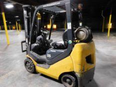 Komatsu 4650 lb. LP Forklift Model FG255T-16, S/N A452849, Solid Tires, Triple Mast, Side Shift,