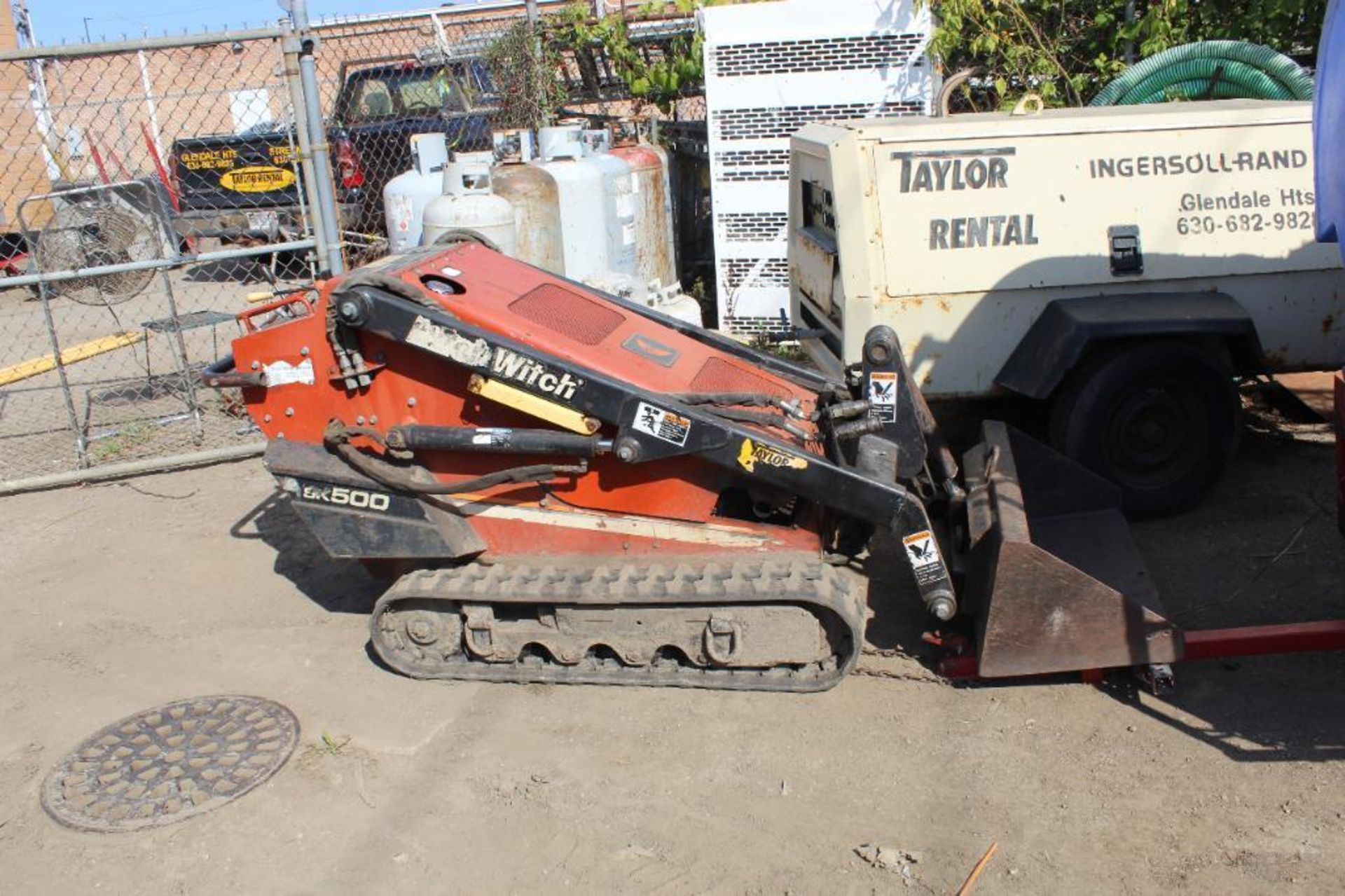 Ditch Witch Mini Skid Steer Model SK 500 with Loader Bucket and 5 Tooth Blade, S/N 1Y5485, 750 Indic - Image 2 of 4