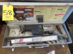 PORTER CABLE NO. 737 VARIABLE SPEED TIGER SAW WITH BLADE