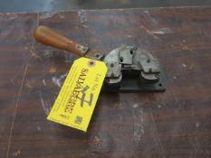 Hand Looper Location: 40 John Williams St