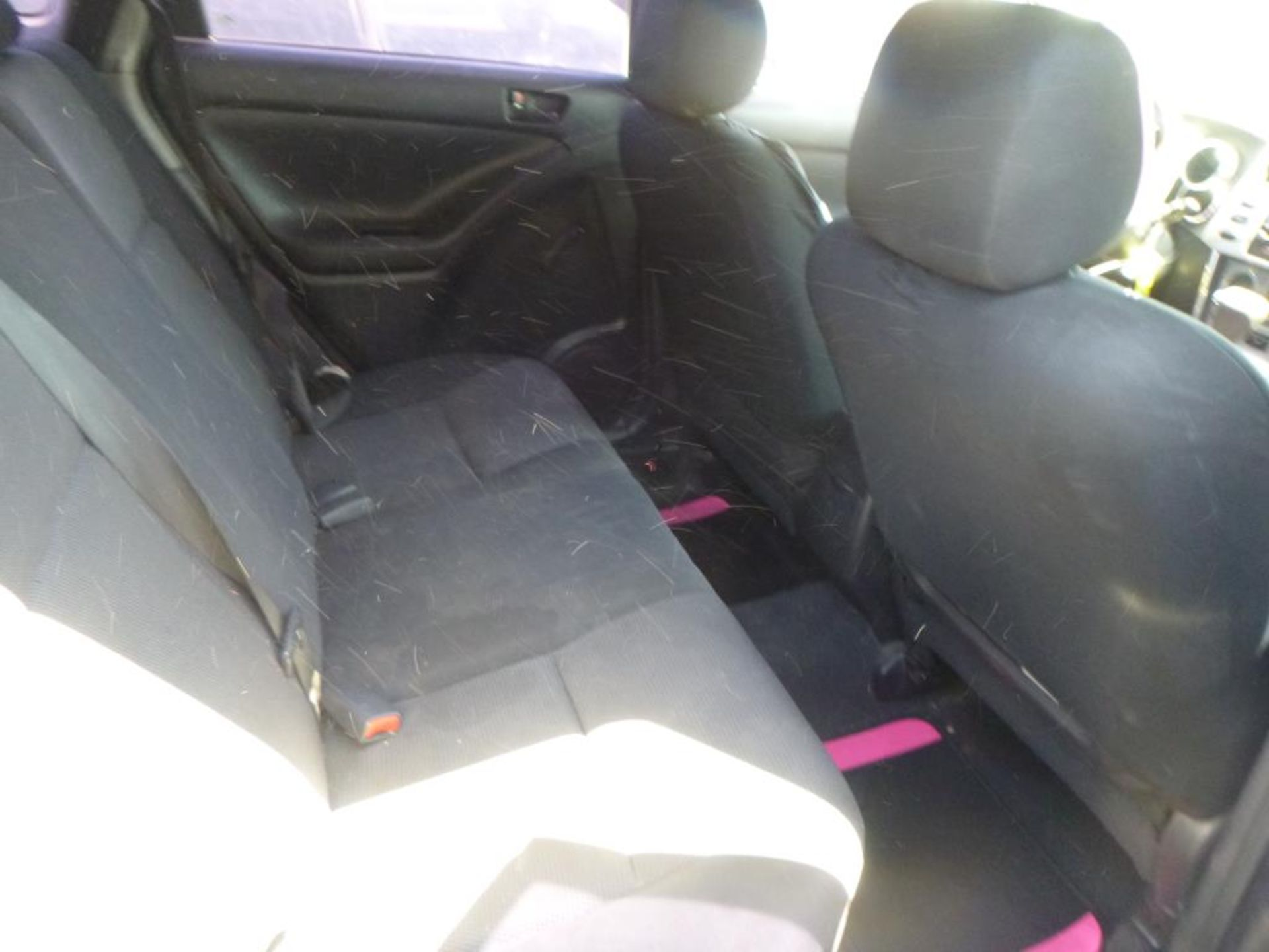2006 Pontiac Vibe - Image 8 of 14