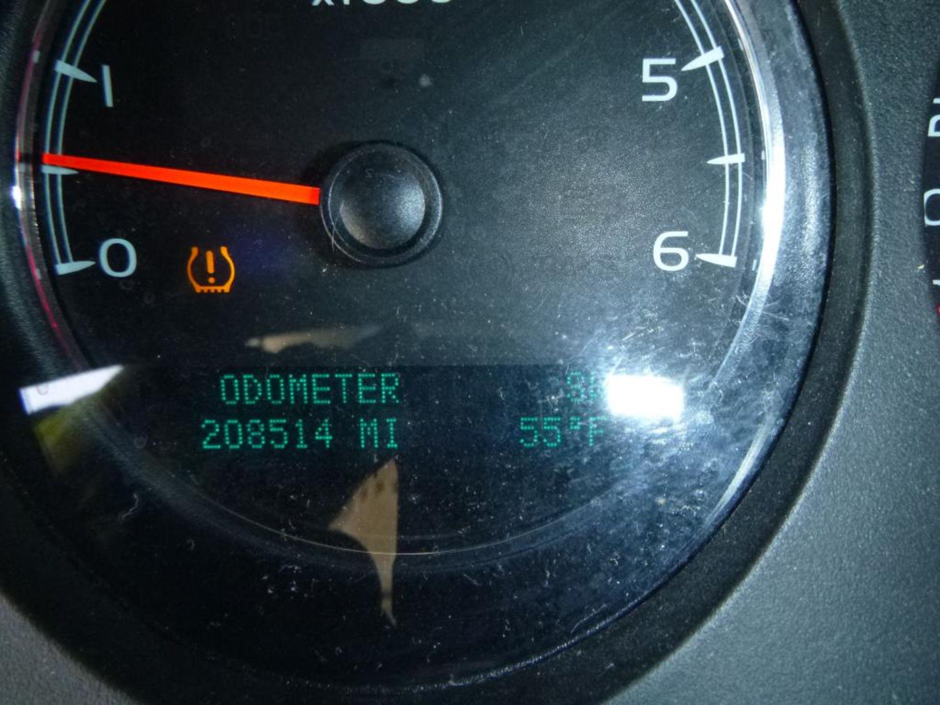 2010 GMC Yukon - Image 13 of 14