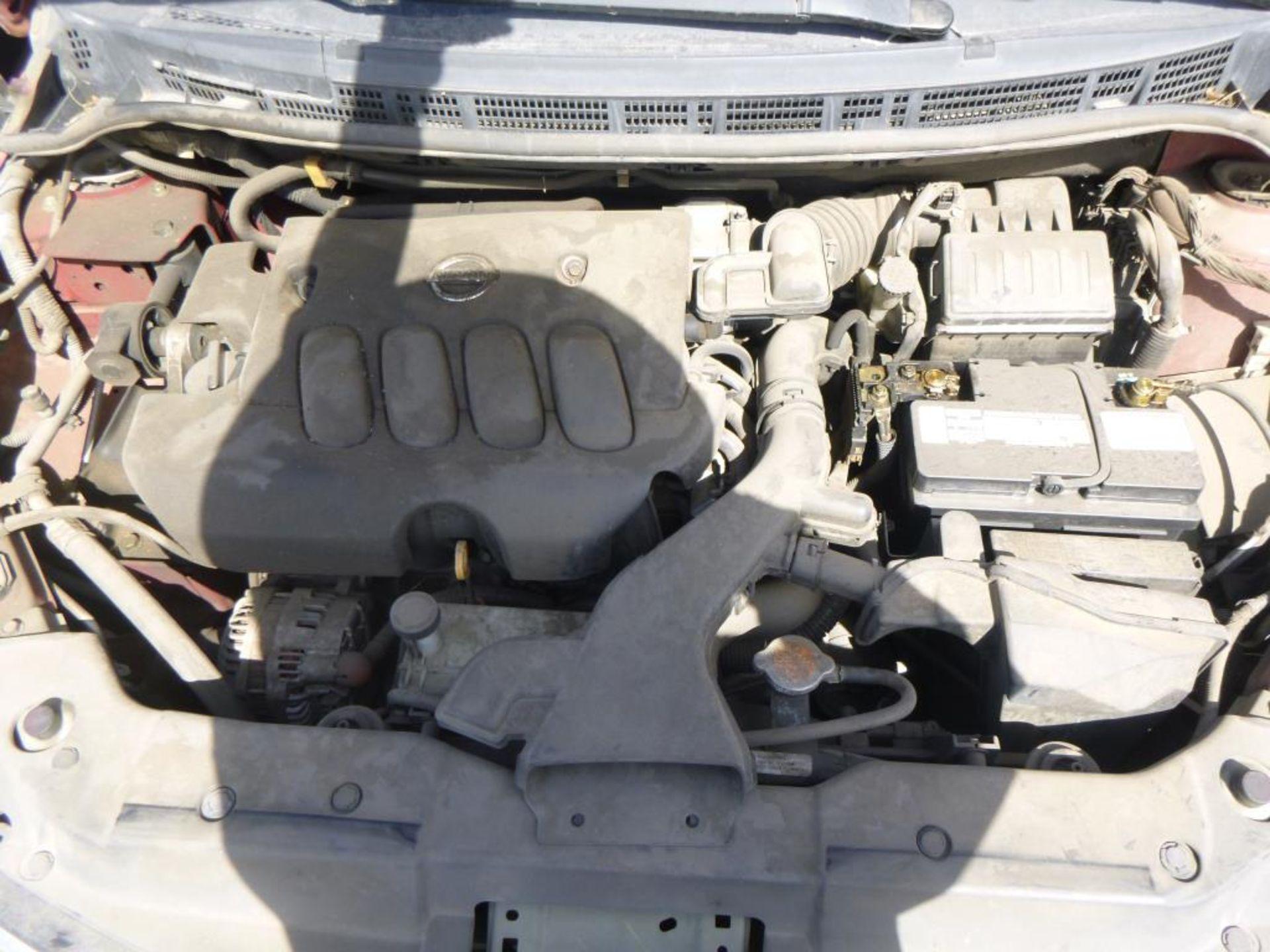 2010 Nissan Versa - Image 5 of 13